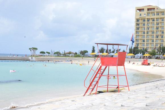 沖縄の海、プール。