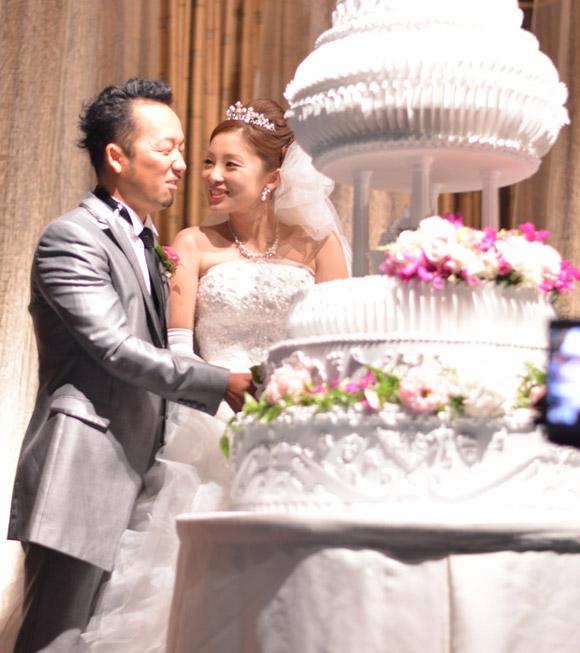 結婚式!タッカー社長&マユさん。