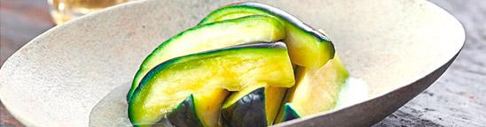 銀座の老舗漬物店「銀座若菜」で一番売れているのは、大阪泉州の水なす漬けだった。