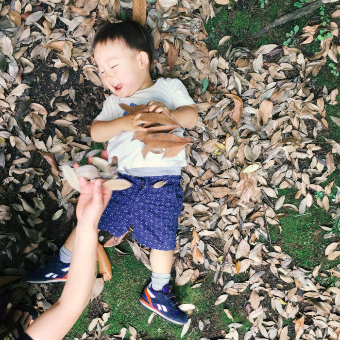世田谷の公園であそぶ息子