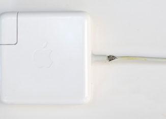MacBookの電源ケーブルが断線。AppleCareで無償交換してもらえました