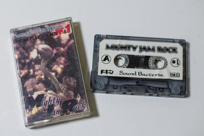 MIGHTY JAM ROCK サウンドバクテリア #1 のテープ