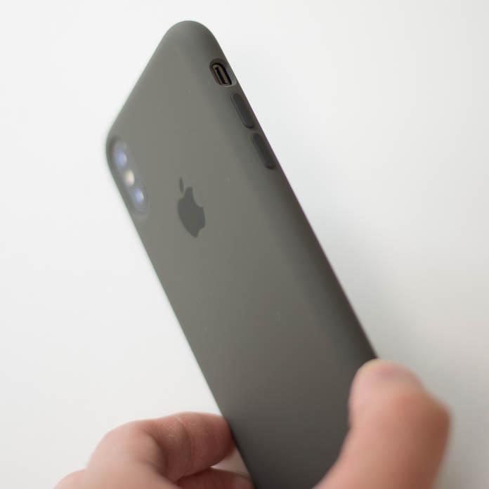 Apple純正 iPhone シリコーンケース の音量ボタン部分