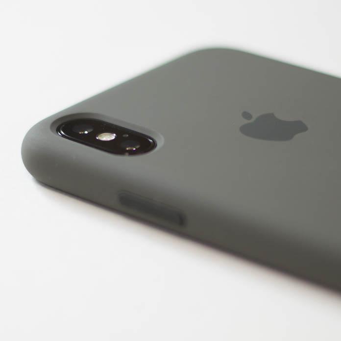 Apple純正 iPhone シリコーンケース カメラの出っ張り
