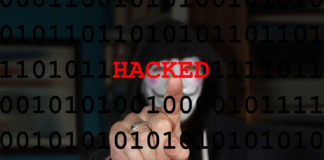 ハッカーが情報を不正に入手している